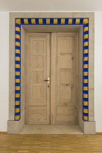 Einlass in den Tempel erhält nur, wer sorgfältig geprüft wurde.